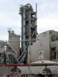 Photo of A portland cement plant that uses recycled IRC material.
